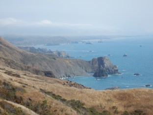 A tighter view south along the coast at Fort Ross State Historic Park.