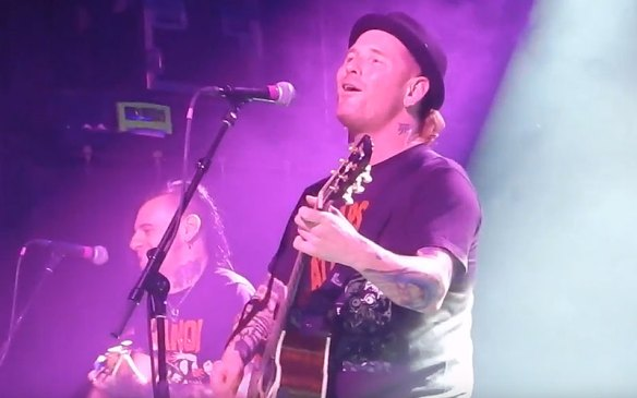 Corey Taylor Performs Songs By Slipknot, Stone Sour, Pink Floyd