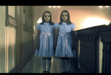 The shining-horror-nights-universal-scary-girls