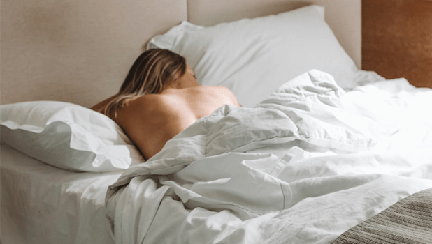 A nude expert explains why sleeping nude is better for your health - GHP  News