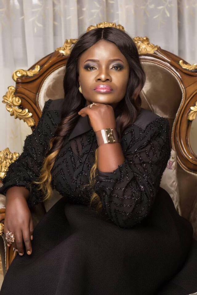 Ohemaa Mercy.. - Ohemaa Mercy's plush mansion and expensive cars