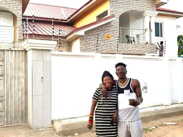 Shatta Wale Buys A Brand New Car For His Mum(Photos)