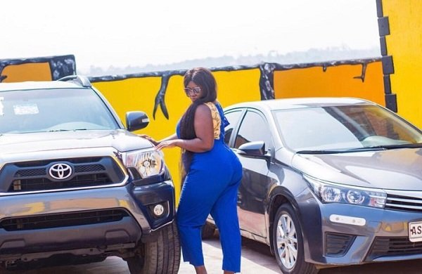 Actress Tracey Boakye Receives Brand New 4X4 As Birthday Gift From Boyfriend [Photos]