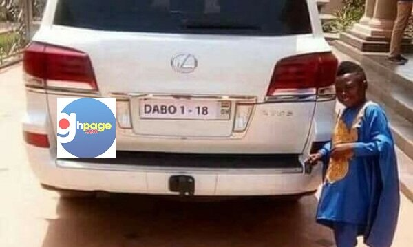 Photos: Kumawood Actor, Yaw Dabo Shows Off His New Acquired Range Rover Worth $60,000