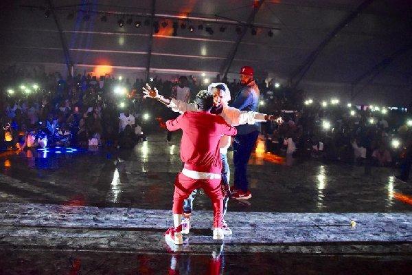 Shatta Wale and Wizkid unite on stage at Ghana meets Naija 2018