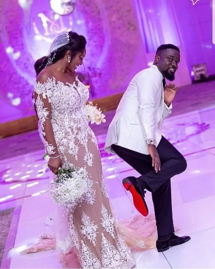 Sarkodie and Tracy wedding photos 2 - Sarkodie spotted without his wedding ring sparks rumours