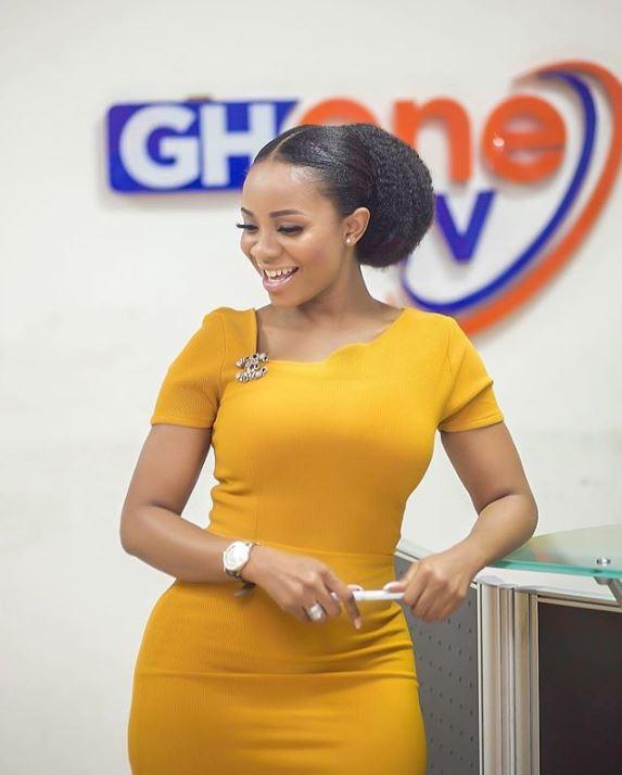 Meet the hottest Ghone Tv's newscaster Serwaa Amihere(Photos)