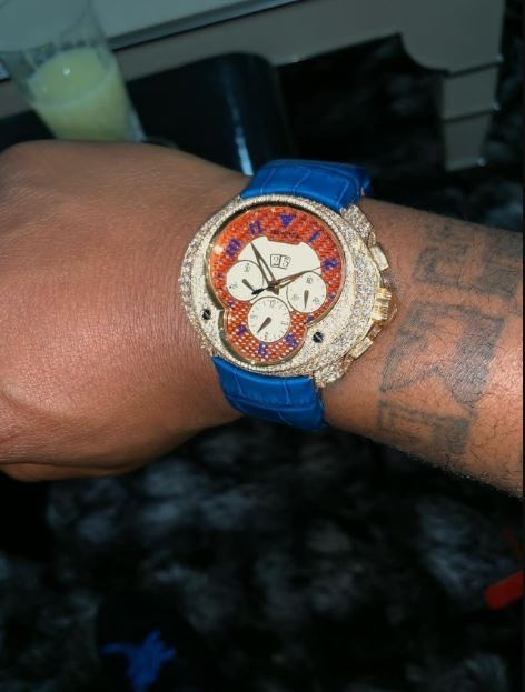 Davido flaunts his newly acquired expensive diamond encrusted wristwatch