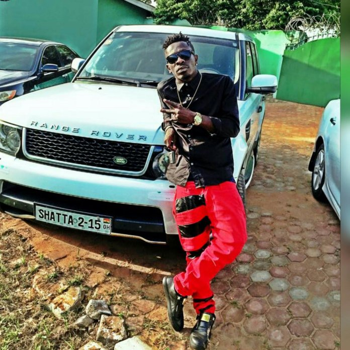wp 1475103519964 - Stonebwoy only flies to Jamaica to take pictures with the top stars – Shatta Wale