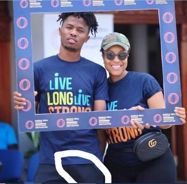 Joselyn Dumas causes Kwesi Arthur's di¢k to slip in new photos