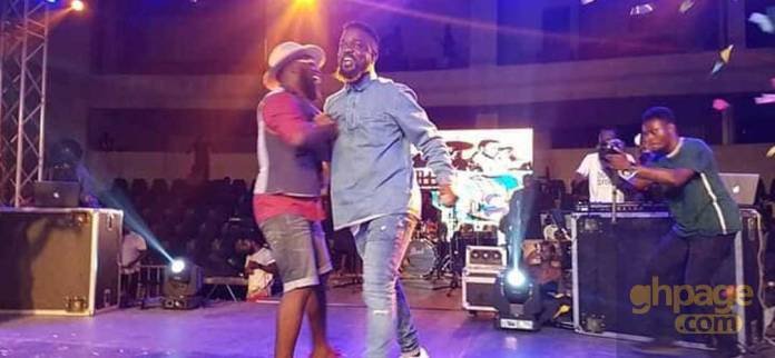 Sarkodie shows up as a surprise guest at M.anifest concert