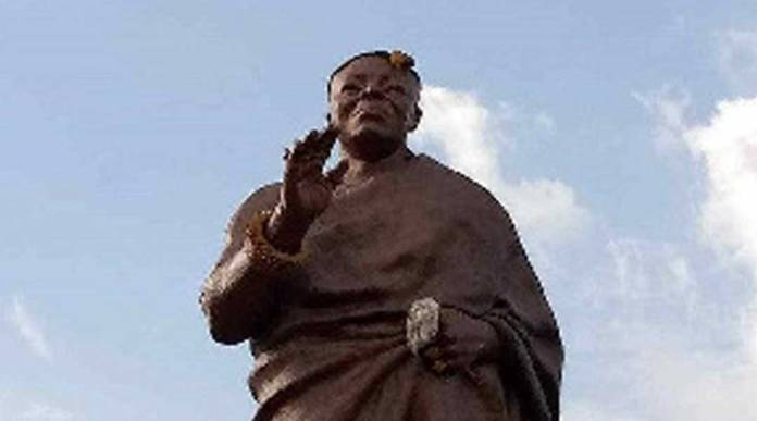 Asantehene's statue