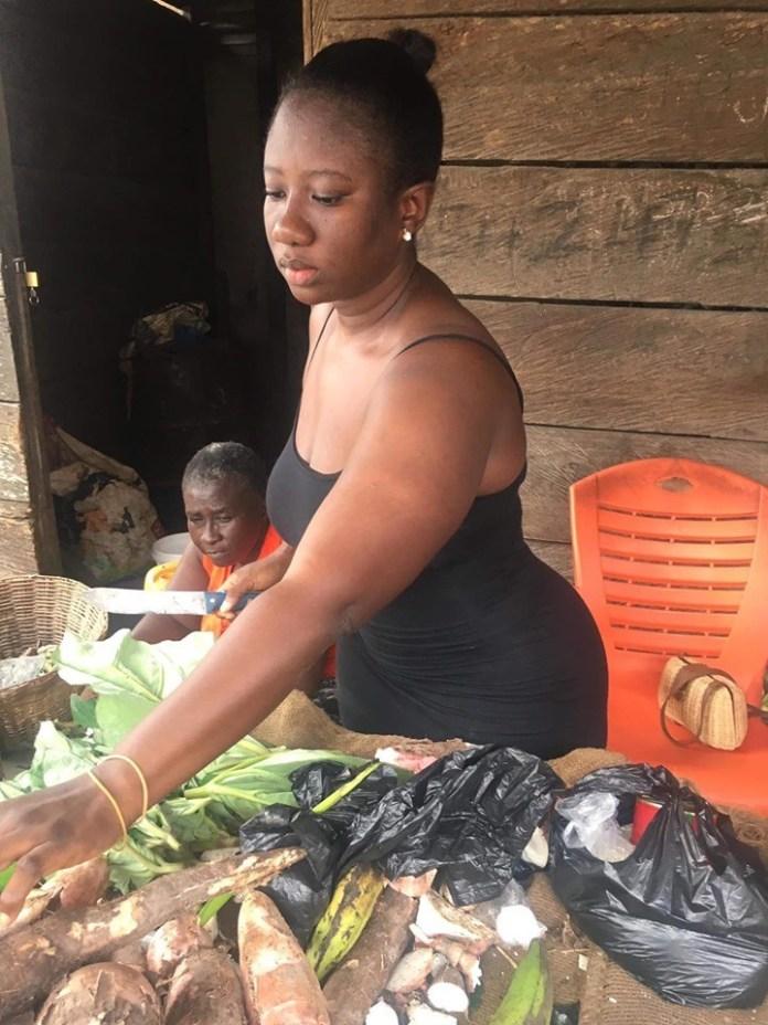 Nana Akosua Dansoa3 - Meet the beautiful lady who helps her mother to sell cassava