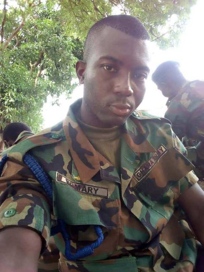 Fella Boyfriend whom she dumped after he had introduced her to Showbiz is now a soldier, Fella's Boyfriend whom she dumped after he had introduced her to Showbiz is now a soldier (Photos), GHSPLASH.COM