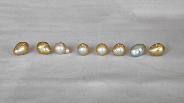 a wide variety of pearl shapes and colors