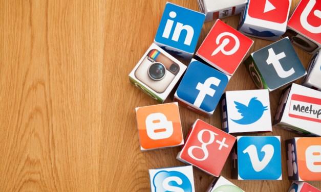 Genitori nell'epoca dei social network