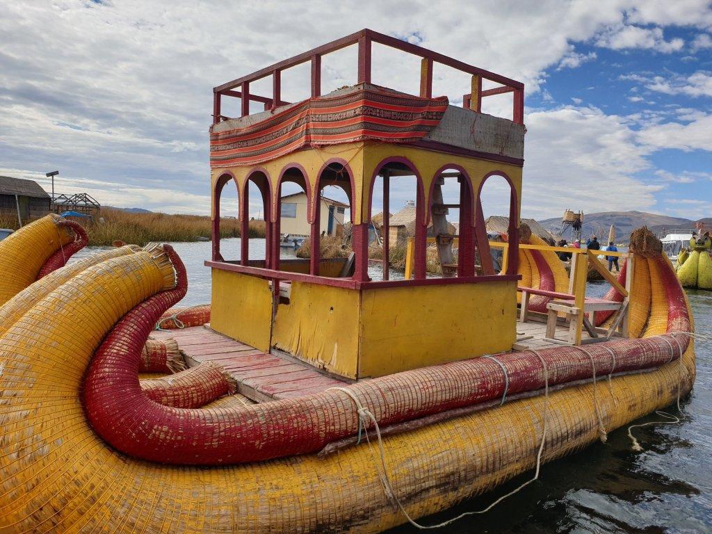 Barca gialla titicaca