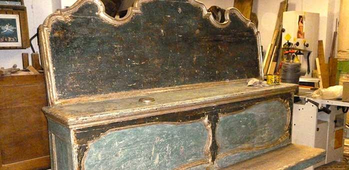 Restauro cassapanca nobiliare italiana