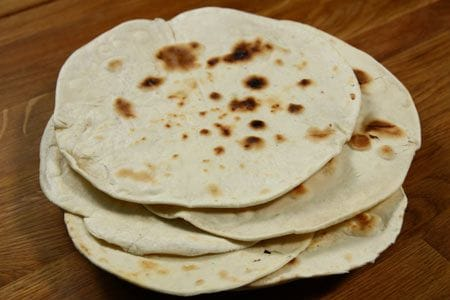 https://i1.wp.com/www.giallozafferano.it/images/ricette/1/105/piadina_450ingr.jpg