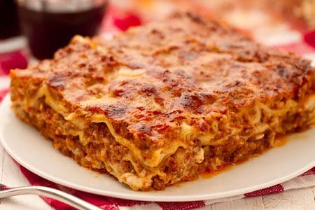 Lasagne alla Bolognese from http://ricette.giallozafferano.it/Lasagne-alla-Bolognese.html