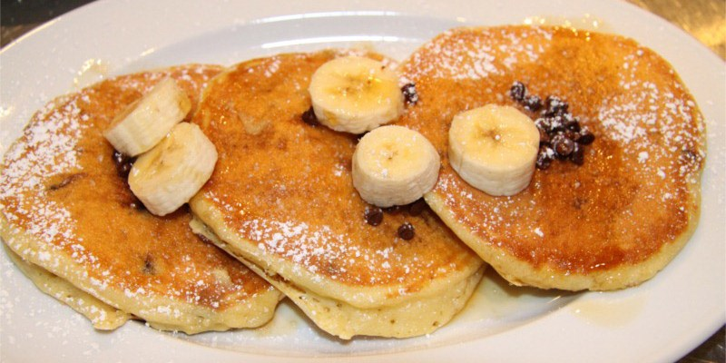 chocolate chips banana pancakes