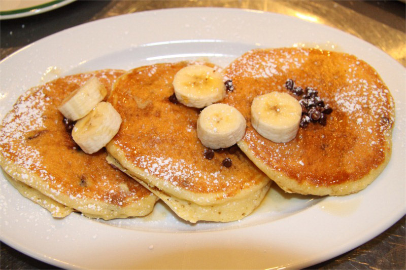 Chocolate-Chip-Banana-Pancakes-8x6.JPG