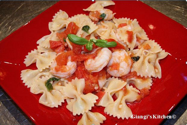 Farfalle-pasta-with-Shrimps-and-tomatoes-basil-sauce.-copy-JPG-8x6.JPG