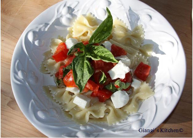 Farfalle-with-Fresh-Tomatoes-basil-and-mozzarella.-copy-JPG-8x6.JPG