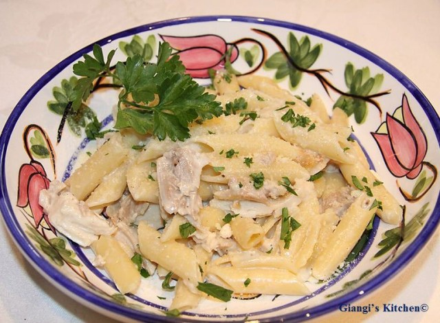 Penne-with-Alfredo-Chicken-Sauce-copy-8x6.JPG