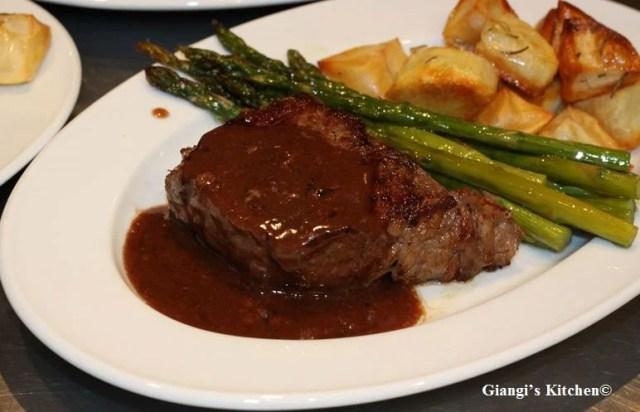 New-York-Steaks-with-WIne-Sauce-2-copy-8x6.JPG