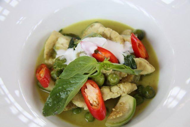 Gang Keaw Wang Gai or Chicken Green Curry