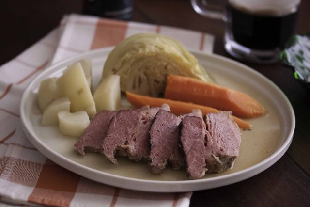 corned beef with horseradish cream
