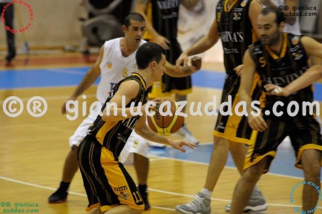 Olimpia Cagliari vs Valentina's Bottegone, 61-52, 22 ottobre 2011 043