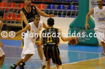 Olimpia Cagliari vs Valentina's Bottegone, 61-52, 22 ottobre 2011 044