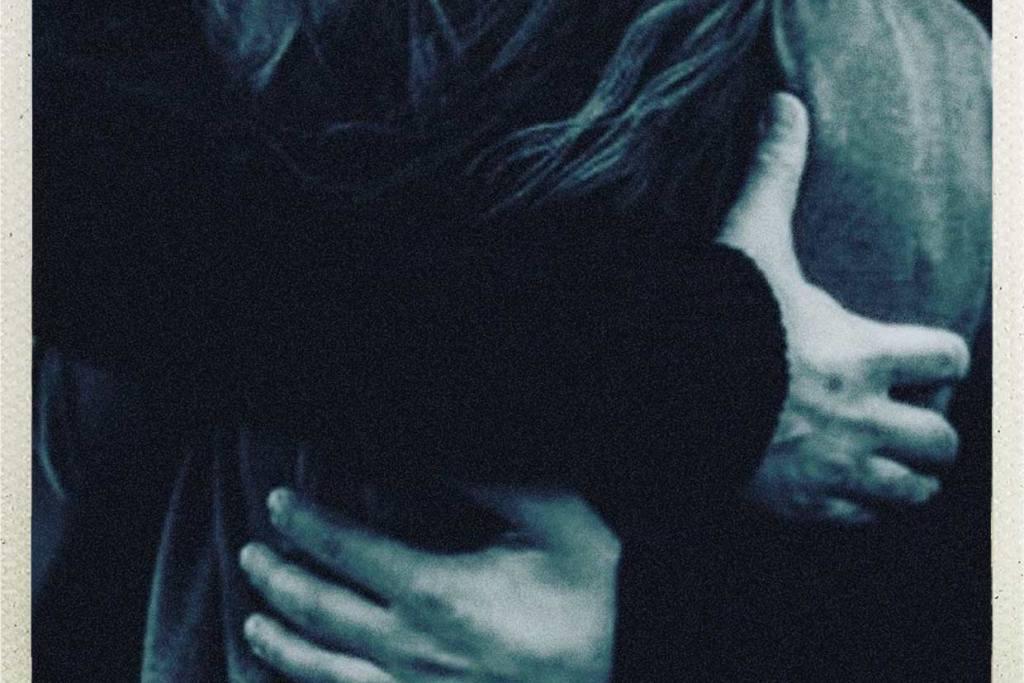 Abbraccio e silenzio
