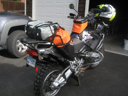 Giant Loop Great Basin Saddlebag and Fandango Tank Bag on BMW R1200GS