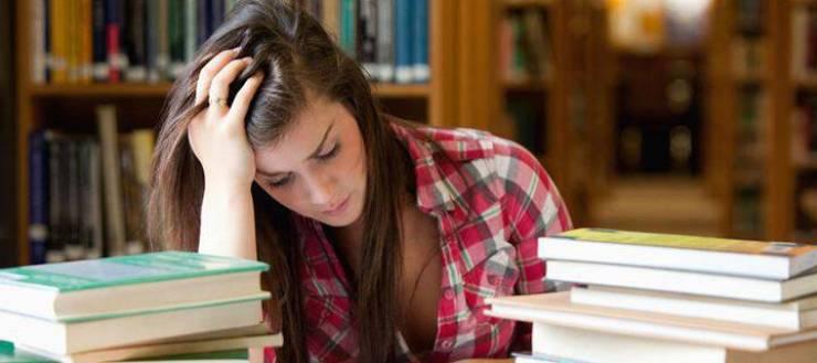 Αντίδοτο η αλληλεγγύη στο άγχος των εξετάσεων