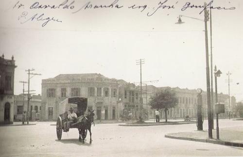 Avenida Osvaldo Aranha na esquina com a rua José Bonifácio, no bairro Bom Fim, em 1930