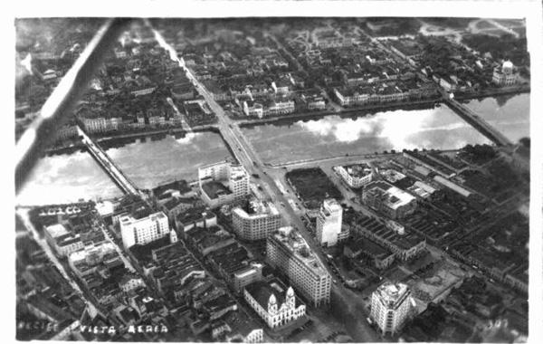 Vista aérea do centro do Recife na primeira metade do século XX