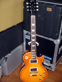 les-paul-traditional-1959-honeyburst-01