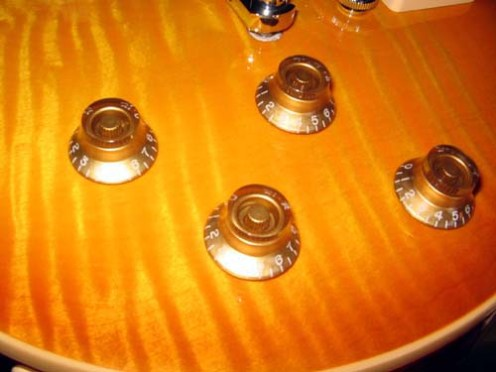 les-paul-traditional-1959-honeyburst-03