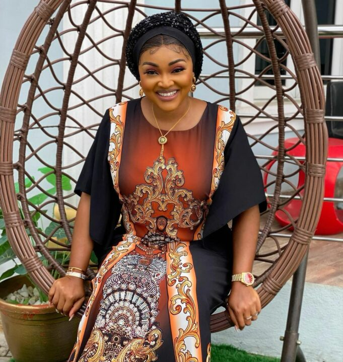 """""""Everyone should help me appeal to him to sign the divorce papers"""" – Mercy Aigbe pleads with Nigerians to help beg her estranged huband Lanre Gentry"""