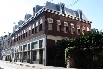 Nieuwbouw met winkels, horeca en sportfunctie - Gietermans & Van Dijk architecten