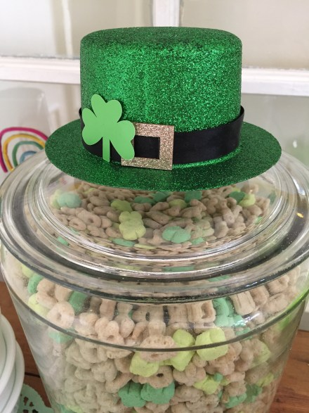 Leprechaun hat topper
