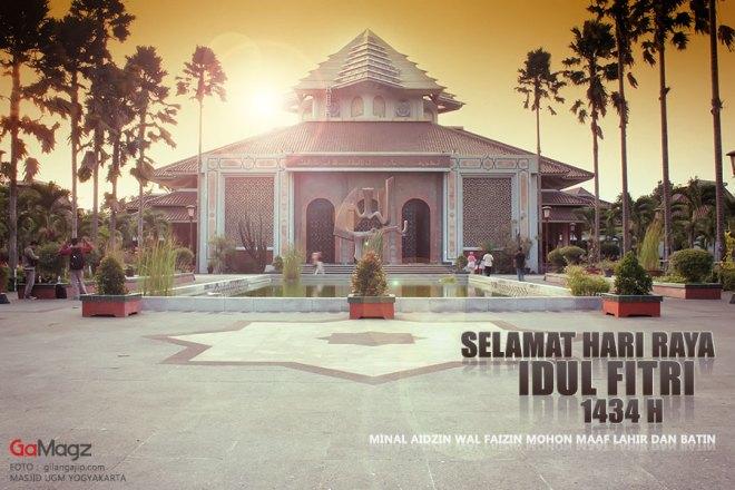 selamat-hari-raya-idul-fitri-1434-h-foto-masjid-ugm.jpg