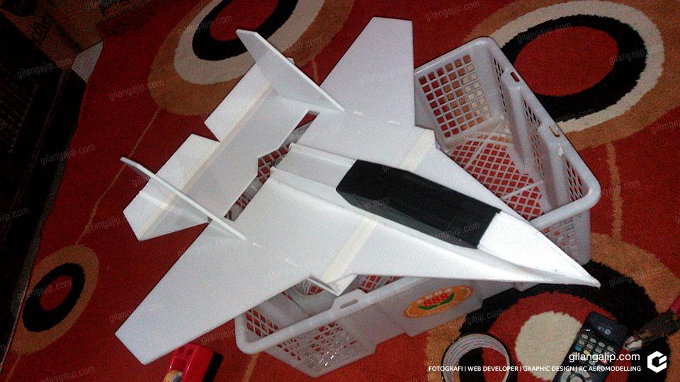Cara-Membuat-Pesawat-RC-Jet-Sederhana-Sendiri.jpg