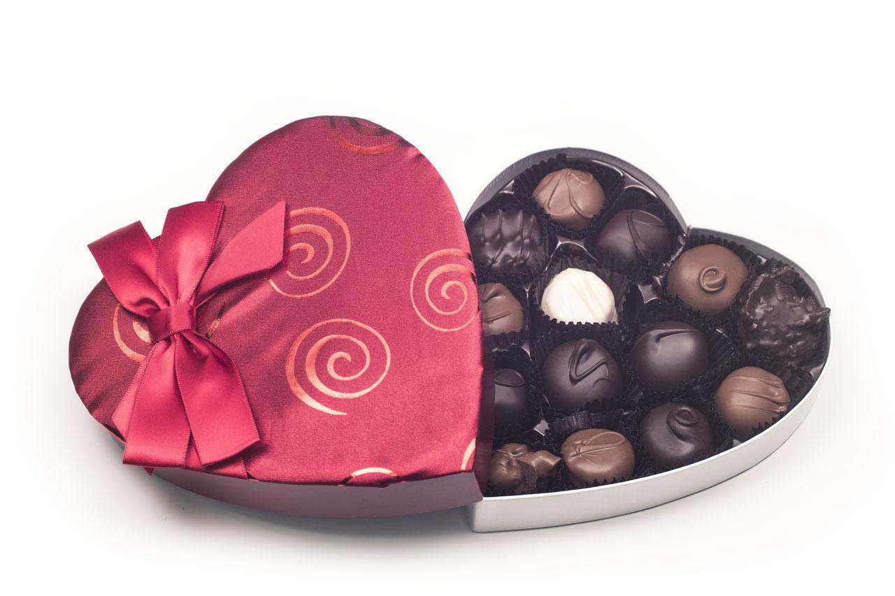 Swirls And Bows Satin Valentine Heart Chocolate Candy 1