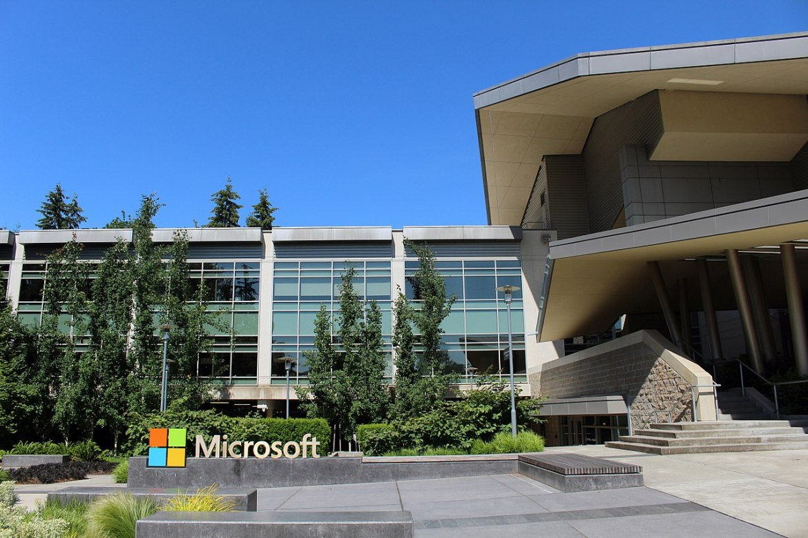 Microsoft paused the update of its Windows 10 operating system