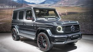 Throwback looks and modern amenities in this Benz SUV.