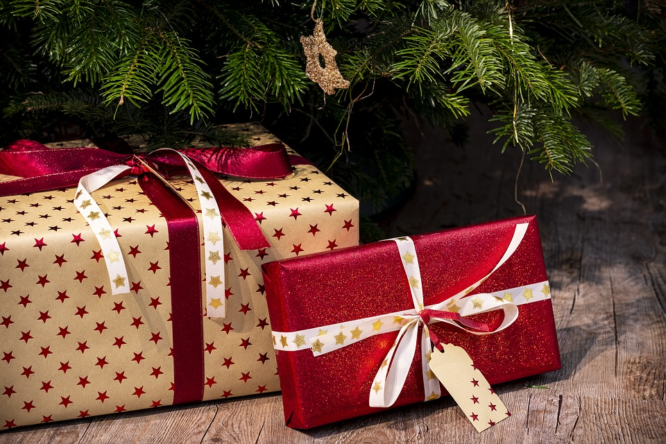 Give your gifts a cohesive yet unique look.
